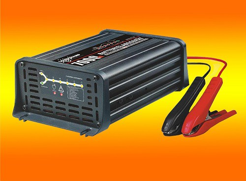 PACO Batterieladegerät 12V 7A